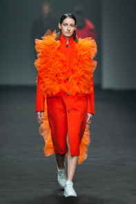 DOUCHANGLEE2019秋冬時尚大秀DIALOGUE无框对话重组流行语言开启新世界